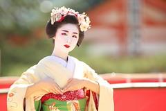 Mature (Teruhide Tomori) Tags: kyoto japon japan heianjingushrine maiko performance tradition festival kimono stage 舞妓 京都 伝統 日本 着物 舞台 lady 踊り dance portrait event 平安神宮