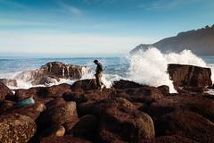 pesca ancestral de barbadas (minutuuno) Tags: asturias pescamarina mar cantabrico asturies pesca barbada pedrero acuatica