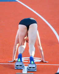 2017_200M_090 (Knox Triathlon Dude) Tags: 2017 run race track sprint sprinter women sports fitness briefs bunhuggers 200m female athlete varsity university college tn usa northamerica runner 200 trackandfield