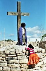 Tarahumara kids with cross (Caravanserai (The Hub)) Tags: tarahumara raramuri mexico
