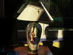 (Jean-Luc Léopoldi) Tags: lampe ombres bureau poissons peintureàlhuile soleil croix fenêtre