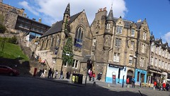 The Place To Be 01 (byronv2) Tags: edinburgh edimbourg scotland oldtown grassmarket peoplewatching candid street sunny sunlight sunshine spring pub bar coldtown beer ale architecture building