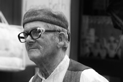 The Fixer (Frank Fullard) Tags: frankfullard fullard candid street portrait lol fun handyman twine spectacles glasses fixer cap irish ireland black white blanc noir funny