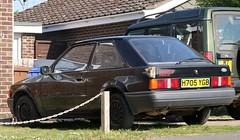 H705 YGB (Nivek.Old.Gold) Tags: 1990 ford escort 13 popular 3door trustmotors glasgow