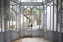 Villa di Vetro (Sean M Richardson) Tags: abandoned villa architecture glass details design italia garden statues canon photography travel explore urbex decay light color texture