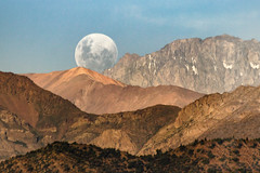 Durin's Day (Jimquintaola) Tags: jaimesanmartinphotography landscapephotography lightroom moon moonrise fullmoon mountains luna cordilleradelosandes sunset naturallight landscape astrophotography afternoon chile sudamerica bigwavejim jimquintaola goldenhour