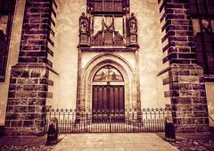 Tür mit Luthers Thesen an der Schlosskirche Wittenberg - Deutschland   Door with Luther's theses at Schlosskirche Wittenberg - Germany (DonSal_LE) Tags: tür door luther thesen theses luthers schlosskirche castle church wittenberg germany