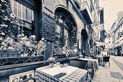 Strasbourg, 16. April 2019 (karlheinz klingbeil) Tags: chair france d850 nikon monochrome frankreich strassburg alsace dstuhl city table stadt strasbourg restaurant tisch strasburg départementbasrhin