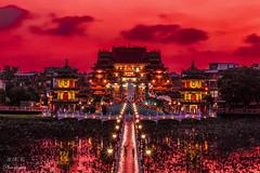 高雄蓮潭 (BisonAlex) Tags: taiwan sony 台灣 外拍 旅拍 travel a6000 高雄 蓮潭 廟 sky 天空 黃昏 sunset reflection 倒影 50f18 temple