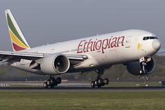 Ethiopian B777-200LR (Leechy8) Tags: ethiopian b777 b777200lr manchesterairport manchester landing 05r southside touch touchdown boeing