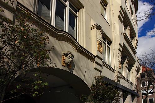 "KN-Verlagsgebäude (02) • <a style=""font-size:0.8em;"" href=""http://www.flickr.com/photos/69570948@N04/47598872062/"" target=""_blank"">Auf Flickr ansehen</a>"