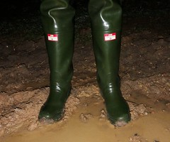 Night Fun (essex_mud_explorer) Tags: waders wading watstiefel cuissardes rubber boots thigh thighboots thighwaders rubberwaders gummistiefel rubberlaarzen bottes caoutchouc hunter gates uniroyal coarsefisher green leeda