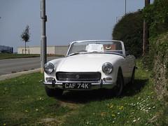1972 MG Midget (occama) Tags: caf74k 1972 mg midget old white british sports car cornwall uk warm sun sunny spridget sprite