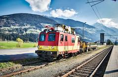 LAI_0520 (Hans-Peter Kurz) Tags: railway railroad reisen railscape eisenbahn zug train transport outdoor österreich austria österreichische bundesbahnen öbb greifenburgweisensee greifenburg weissensee weisensee bahndienstfahrzeug bauzug bahnhof haltestelle drautal drautalbahn kbs223 x521