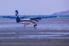 Twin Otter at Barra Airport (Briantc) Tags: scotland westernisles barra isleofbarra hia barraairport twinotter aeroplane airplane beach beachlanding ghial