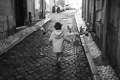 Lisboa 2019 (Jtofs85) Tags: sony sonyalpha lisboa lisbonne lisbon sonyflickraward zeis zeiss 2470 travel travelphotography street blackandwhite bw nb children