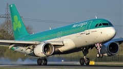 EI-EDS (AnDyMHoLdEn) Tags: aerlingus a320 egcc airport manchester manchesterairport 05r