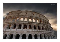 Souvenir de Rome (Rémi Marchand) Tags: colisée rome colosseo italia italie monument amphithéâtre cityscape paysageurbain canoneos7d antiquité antiquity coliseum roma coliséederome colosseuminrome italy