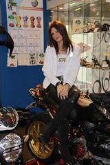 motorshow girl (themax2) Tags: promoter hostess motorshow 2009 face girl bologna brunette leggings