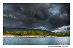 Black clouds (Ignacio Ferre) Tags: embalsedelpontónalto segovia sanildefonso realsitiodelagranjadesanildefonso lagranja españa spain paisaje landscape nube cloud nikon