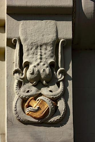 "KN-Verlagsgebäude (06) • <a style=""font-size:0.8em;"" href=""http://www.flickr.com/photos/69570948@N04/47606252592/"" target=""_blank"">Auf Flickr ansehen</a>"