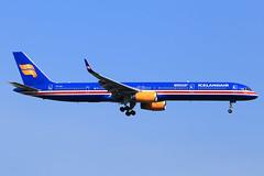 Icelandair  Boeing 757-3E7 TF-ISX (widebodies) Tags: london heathrow lhr egll widebody widebodies plane aircraft flughafen airport flugzeug flugzeugbilder icelandair boeing 7573e7 tfisx