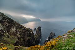 Dramatic Cliffs (JMFVERAS) Tags: 2019 cape cabo ortegal sea mar seashore coastline costa fence barandilla acantiladocliff seascape landscape paisaje nubes cloudy mist niebla viaje travel springtime primavera