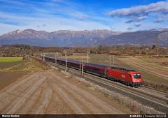 Red Railjet (Marco Stellini) Tags: obb trenord railjet wien venedig venezia tarvisio pontebbana udine friuli treno eurocity austria alpe adria italien adriatic 1216 taurus siemens es64u4