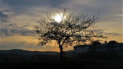 Con alguna nube (eitb.eus) Tags: eitbcom 30487 g1 tiemponaturaleza tiempon2019 paisajes bizkaia portugalete juantxuaberasturi