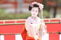Tradition (Teruhide Tomori) Tags: kyoto japon japan heianjingushrine maiko performance tradition festival kimono stage 舞妓 京都 伝統 日本 着物 舞台 lady 踊り dance portrait event 平安神宮
