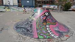 2019-04-22_15-20-09_ILCE-6300_DSC12920_Kiri (Miguel Discart (Photos Vrac)) Tags: 2019 30mm artderue belgie belgique belgium bru brussels bruxelles bxl bxlove divers e18200mmf3563ossle focallength30mm focallengthin35mmformat30mm graffiti graffito grafiti grafitis ilce6300 iso100 photoderue photography sony sonyilce6300 sonyilce6300e18200mmf3563ossle street streetart streetphotography