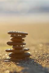 Anglų lietuvių žodynas. Žodis stoning reiškia užmėtymas akmenimis lietuviškai.