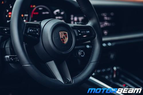 2019-Porsche-911-19