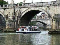 Ponti sul Tevere (giorgiorodano46) Tags: maggio2006 may 2006 giorgiorodano tevere fiume river ponte bridge roma italy battello bateau boat