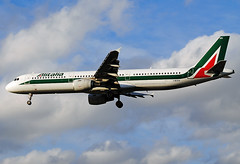Alitalia Airbus A321 (Infinity & Beyond Photography: Kev Cook) Tags: airlines ibixn alitalia airbus a321 aircraft airplane airliner london heathrow airport lhr myrtle avenue ave photos planes