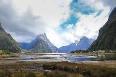The Milford Sound - New Zealand (Valentin.LFW) Tags: newzealand nouvellezeland south hemisphere photographer photography canon aotearoa birds wildlife landscape auckland