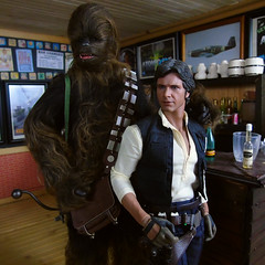 Mos Eisley this ain't! (Blondeactionman) Tags: star wars hottoys han solo chewbacca chewie ammoarms onesixthscale onesixth playscale diorama dollphotography 16