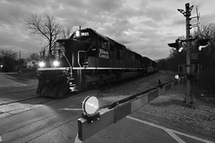Mills Road (Robby Gragg) Tags: ic sd70 1025 joliet