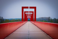 Axe Majeur (pictopix) Tags: red majeur axe passerelle perspective axemajeur cergy pontoise architecture rouge