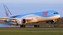 G-TUIJ (AnDyMHoLdEn) Tags: thomson tui 787 dreamliner egcc airport manchester manchesterairport 05r