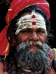 Nepal - Retrato de un Sadhu (Luis Bermejo Espin) Tags: luisbermejoespín travel asia nepal india hindú hinduismo hinduistas hinduismotántrico tantrismo tantra maituna sadhu sadhus kumari rutadelasespecias rutadelaseda rutasdelasespecias oriente orientalismo orientales religiónhindú rostrosdelmundo rostros rostrosdeasia retrato retratosdelmundo retratos portrait devotos religionesdelmundo religión religiosos estudio gentesdelmundo gentedelmundo