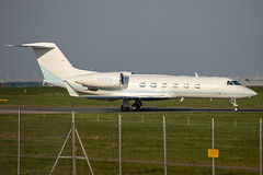 N483CM // Gulfstream G450 // Stansted (SimonNicholls27) Tags: n483cm giv g450 gulfstream stn egss stansted corporate private jet