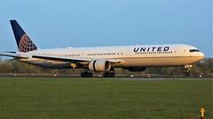 N67058 (AnDyMHoLdEn) Tags: unitedairlines 767 staralliance egcc airport manchester manchesterairport 05r