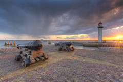 Zonsondergang in Hellevoetsluis (Rob Kints (Robk1964)) Tags: firehouse harbor harbour haringvliet haven hellevoetsluis jetty nederland netherlands pier vuurtoren zuidholland