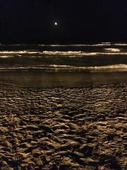 Cullera (Valencia) (MarisaTárraga) Tags: españa spain cullera valencia playa beach luna moon noche night iphone6s ngc
