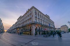 Angle de Rue - Angle de Vue (PaaulDvD) Tags: bordeaux city gironde aquitaine france colors reflet sun sunset blue urbanscape cityscape