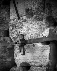 Detail (RobMenting) Tags: stories building art old italy romans bewerking rome blackwhite object travel colosseum history architecture city lazio europe marble architectuur bw black blackandwhite geschiedenis italia italië kunst latium roma romein romeinen romeins stad steden town verhalen white