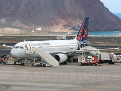 OO-TCQ - Brussels Airlines A320 (✈ Adam_Ryan ✈) Tags: tfs tenerifesouth tenerife canaryislands canaries spain airport airbusboeing aircraft sun p510 plane planespotting flight ootcq brusselsairlines a320 2019 april