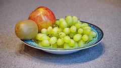112/365 Fruit (OhWowMan) Tags: 365the2019edition 3652019 day112365 22apr19 ohwowman nikon d3300 acdseepro9 apple kiwi grapes fruit bowl