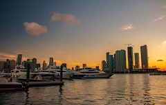Miami - Island Gardens-9788 (islandfella) Tags: miami florida macarthur causeway skyline city downtown sunset duck silhouette skyscrapers water marine island gardens bridge sky boats luxury evening